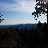 日の出山から馬頭刈山〜戸倉三山〜生藤山〜蛭ヶ岳〜大室山を望む