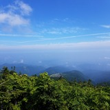 人形石付近から天元台高原〜米沢盆地を望む