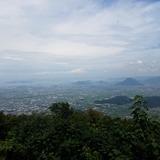 大麻山展望台から丸亀市街〜瀬戸大橋〜飯野山(讃岐富士)を望む