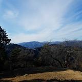 日の出山から御岳山〜大塚山〜鷹ノ巣山〜飛龍山を望む