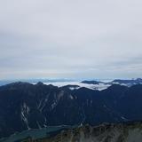 大汝山山頂から針ノ木岳、南アルプス連峰〜富士山〜八ヶ岳を望む