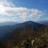 大岳山から御前山〜大菩薩嶺〜三頭山を望む