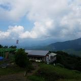 陣馬山から扇山〜権現山を望む