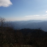 大岳山から檜洞丸〜蛭ヶ岳〜丹沢山〜大山〜仏果山〜高尾山を望む