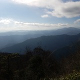 大岳山から三頭山〜三ッ峠山〜富士山〜御正体山を望む