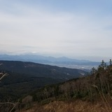 塔ノ峰から小田原市街〜松田山〜大山〜丹沢表尾根の山々を望む