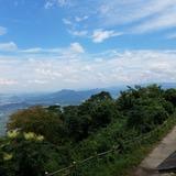 大麻山展望台から讃岐平野〜讃岐山脈の竜王山方面を望む