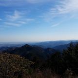 日の出山から麻生山〜八王子市街〜高尾山〜景信山〜大山を望む