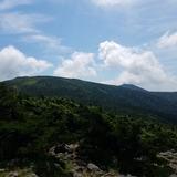 かもしか展望台から梵天岩〜西大巓を望む