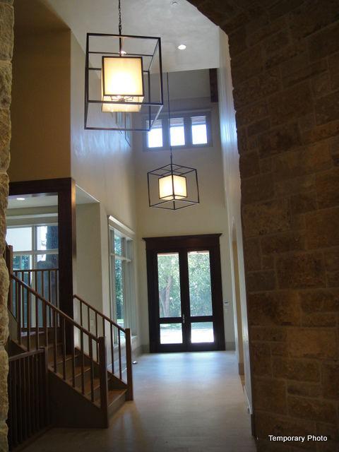 5233-Stonegate-foyer