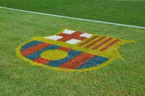 barcelona-1070409_640-min