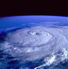 hurricane-92968_640 (1)