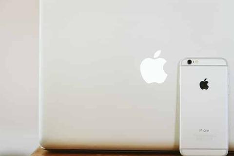 mac-933372_640-min