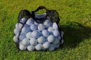 golf-balls-965923_640 (1)-min