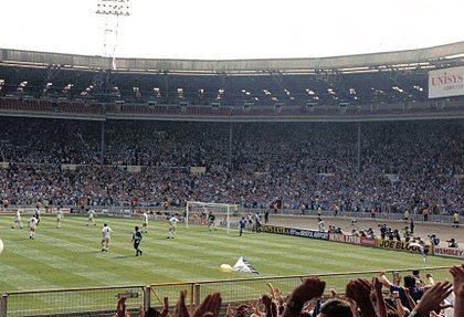旧ウェンブリースタジアム内部(1990年)