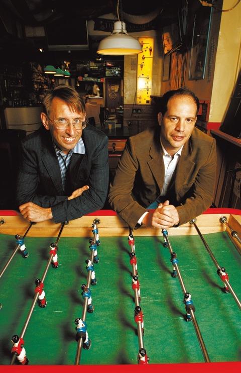 ステファン・シマンスキー(左)とサイモン・クーパー