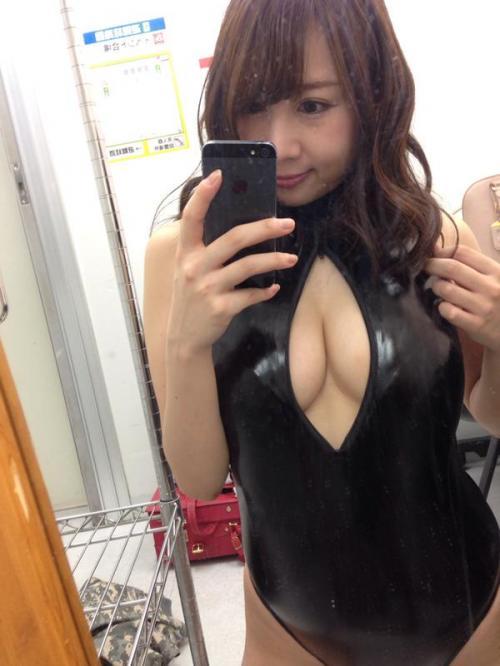 吉田早希 Hカップ過激水着 画像