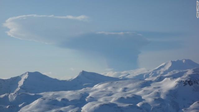 alaska-bogoslof-volcano-ash-cloud