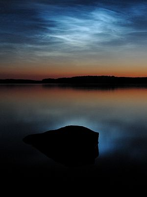 300px-Noctilucent_clouds_over_saimaa