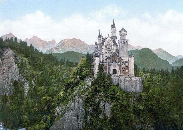1024px-Neuschwanstein_Castle_LOC_print