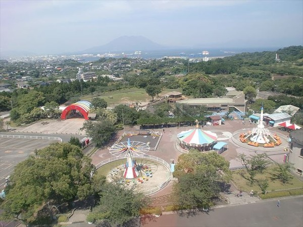 1024px-Kagoshima_City_Hirakawa_Zoological_Park_2_R