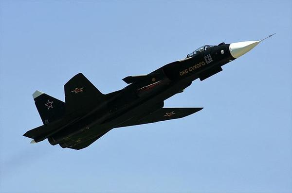 Sukhoi_Su-47_in_2007_R