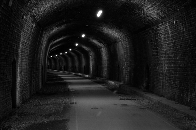 tunnel-429456_960_720