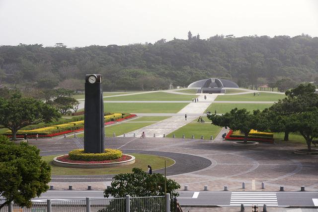 1280px-Okinawa_Heiwakinen_Memorial_Park01n3104
