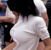 【画像あり】最近の女子中学生おっぱいでかすぎだろ・・・