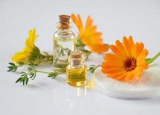 essential-oils-2738555_640