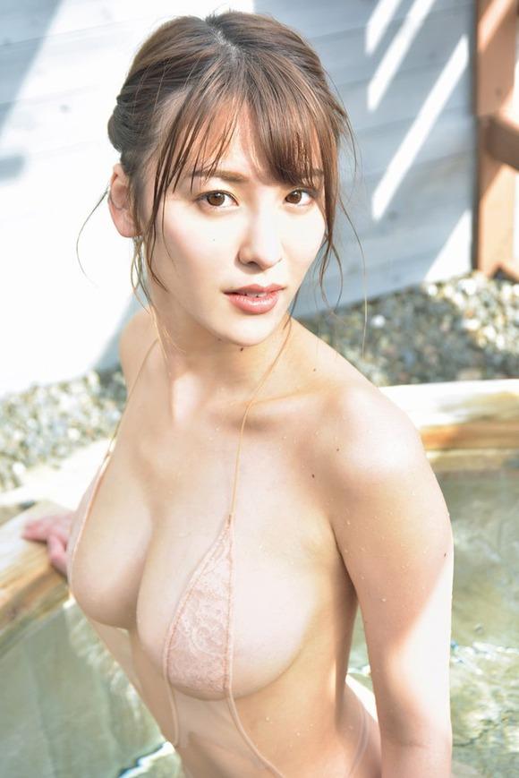 【グラビア】ミスインターナショナル日本ファイナリスト・奈月セナ、温泉旅行で圧巻のGカップが…