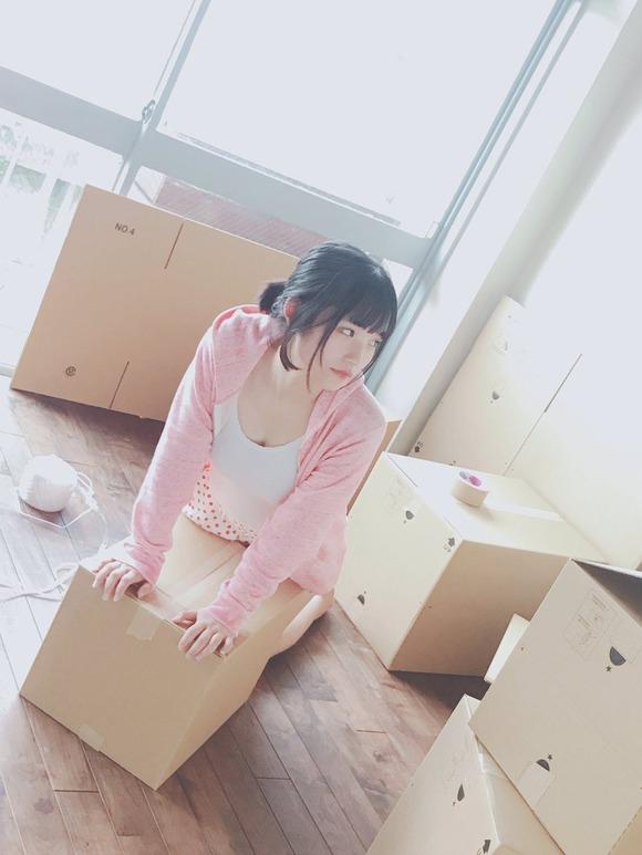 【画像】16歳で谷間を公開! 「Fカップの広瀬すず」 AKB矢作萌夏のギリギリ写真
