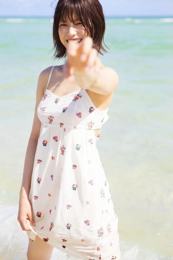 【グラビア】「クールビューティー」欅坂46・渡邉理佐、写真集発売決定! 水着撮影に初挑戦 ランジェリー姿も