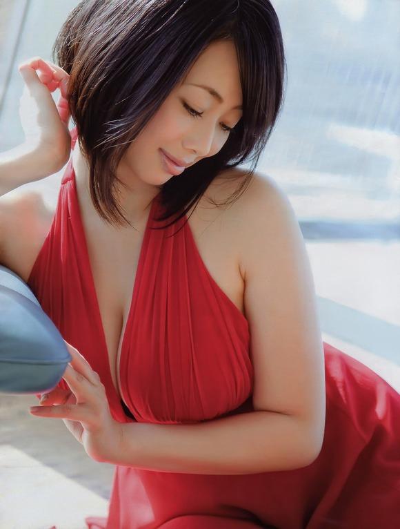 【画像】井上和香と小池栄子とMEGUMIのどすけべボディ