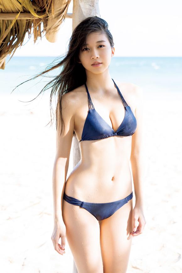 【グラビア】モー娘。牧野真莉愛、キューバのビーチでピュアすぎるセクシービキニ姿を大胆披露!