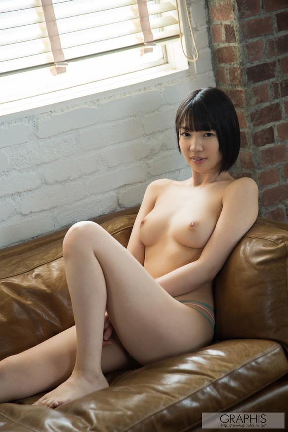 koharu-suzuki-04889860