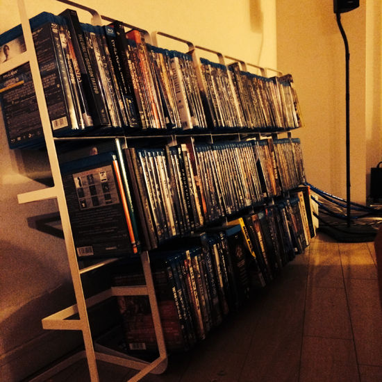 CD、DVD、ブルーレイ、ゲームソフトなどの物理メディアって将来的にどうなると思う?将来的には全部ダウンロードになって消えさり草?