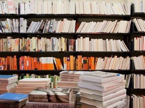 町の本屋「amazon使うな」ワイ「わかった」
