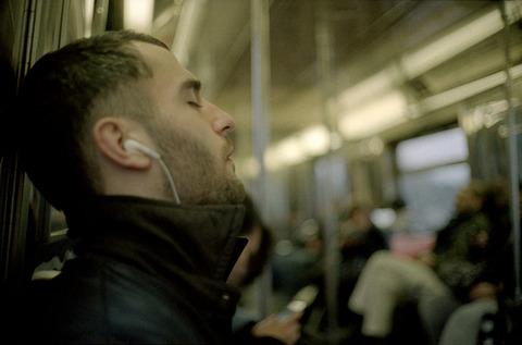 電車内で見かけるイヤホン