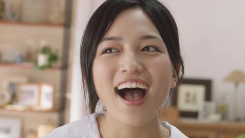 【芸能】川口春奈、22歳の女子高生役で不安 「まだ制服いける?」