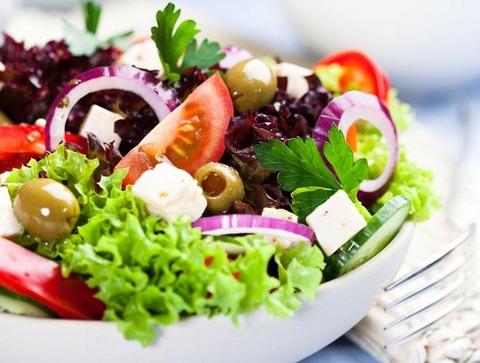 o0650049120140316_salad-thumb-650x491-77749