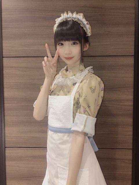 【画像】美少女すぎる喫茶店のウェイトレスに話題沸騰wwwwwwwwwww