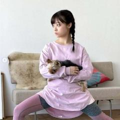 橋本環奈、三つ編みのドッグヨガ姿にネット悶絶「可愛いが渋滞してる」