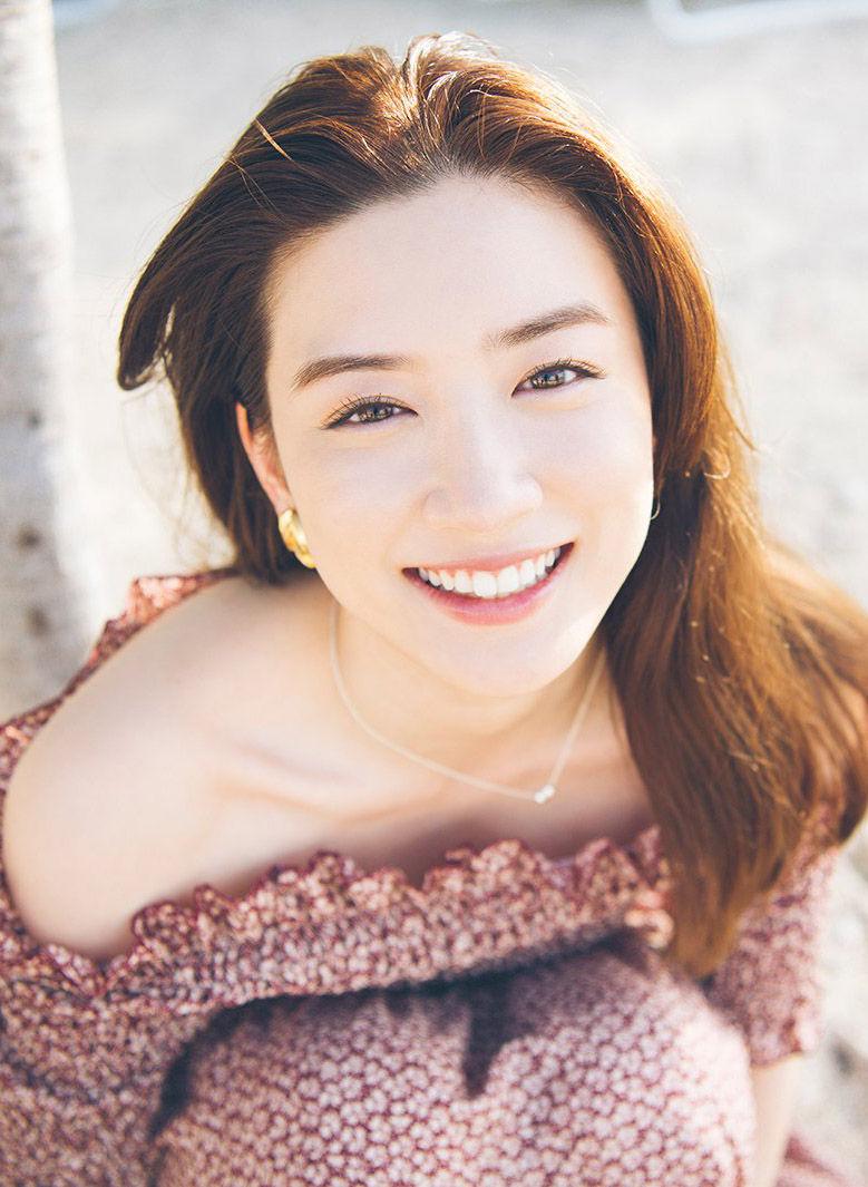 永野芽郁(19)の写真集のセクシーショットがエロいww【エロ画像】