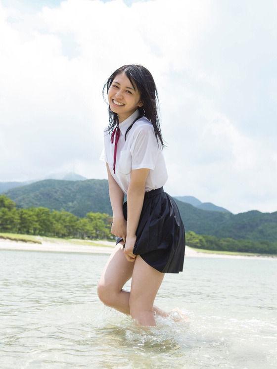 欅坂46長濱ねる(19)写真集の通学服びしょ濡れショットがぐうシコ☆☆【エロ画像】