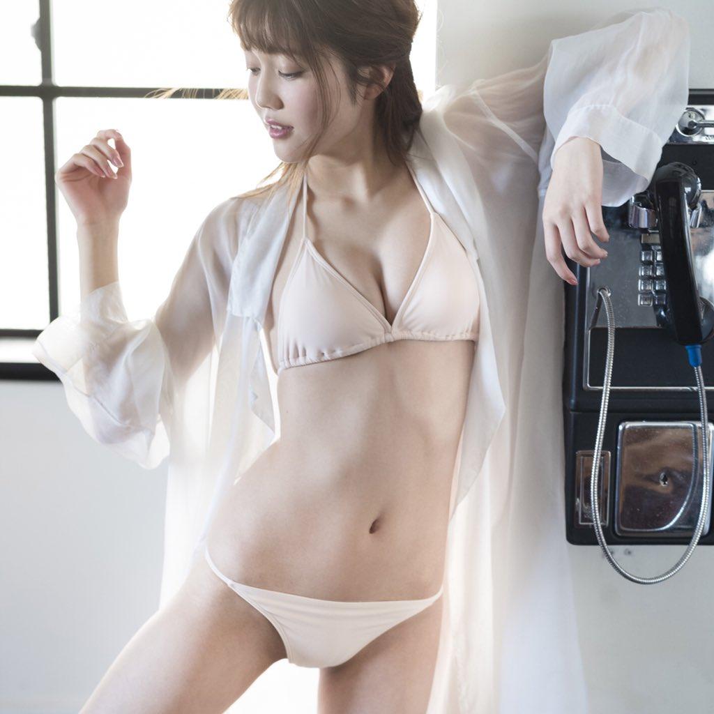松川菜々花(20)世界初のインスタグラビアがヌけるwwww(えろ写真)