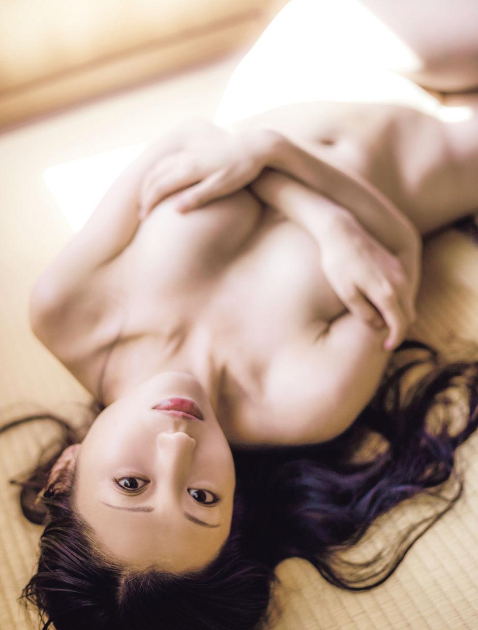 壇蜜(37)色気が半端ないぬーどグラビアがクッソヌけるwwww(えろ写真)