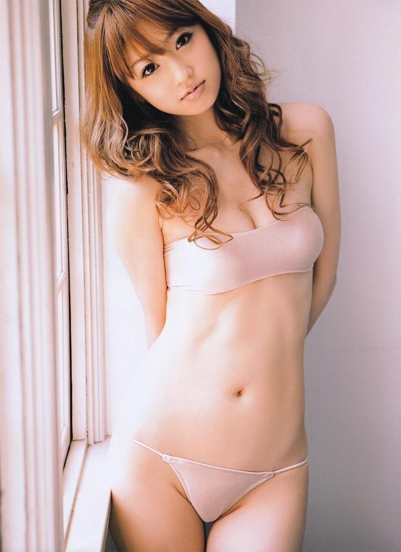 小倉優子(33)離婚して芸能界完全復帰でママタレ枠でエッチな姿を見せてほしいww【エロ画像】
