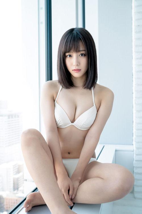 SKE48鎌田菜月(21)水着グラビアの胸チラ谷間がぐうシコww【エロ画像】 表紙