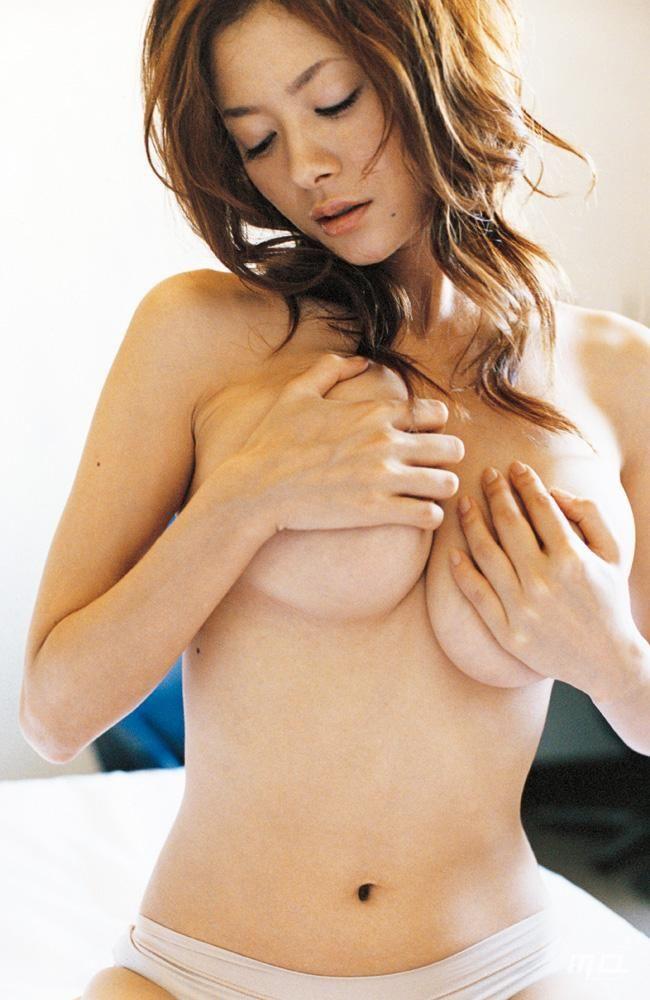 真木よう子(35)レプロと契約したので久々のF乳おっぱいww【エロ画像】